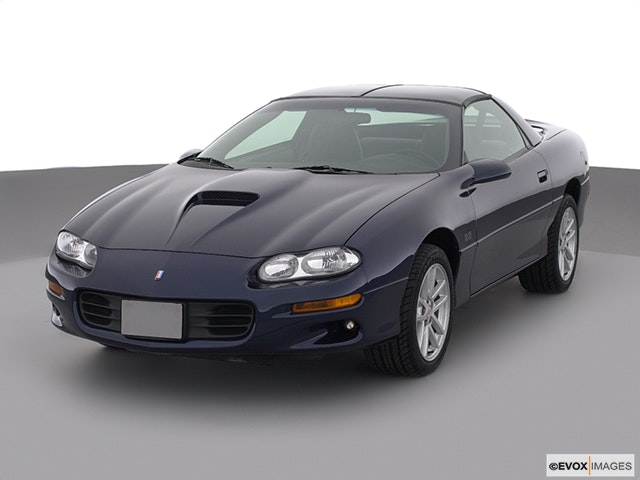2000 Chevrolet Camaro Front angle view