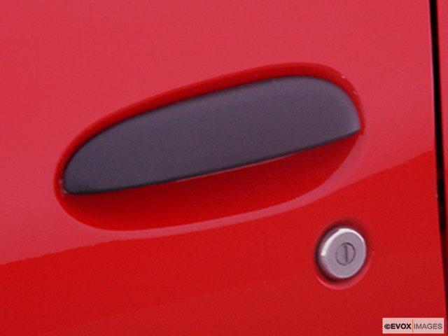 2000 Chevrolet Cavalier Drivers Side Door handle