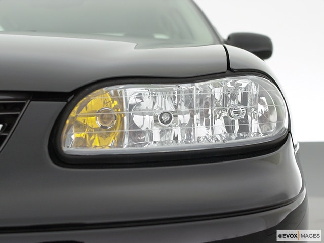2000 Chevrolet Malibu Drivers Side Headlight