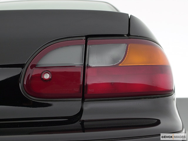 2000 Chevrolet Malibu Passenger Side Taillight
