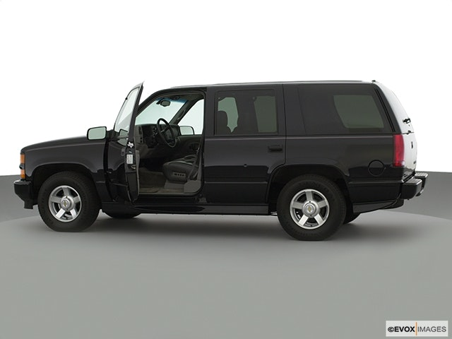 2000 Chevrolet Tahoe Driver's side profile with drivers side door open