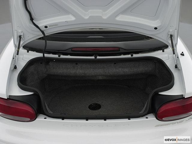 2000 Chrysler Sebring Trunk open