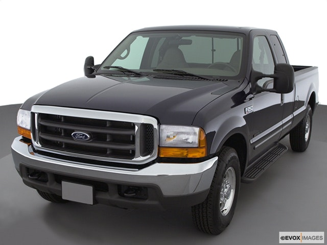 2000 Ford F-250 Super Duty Front angle view