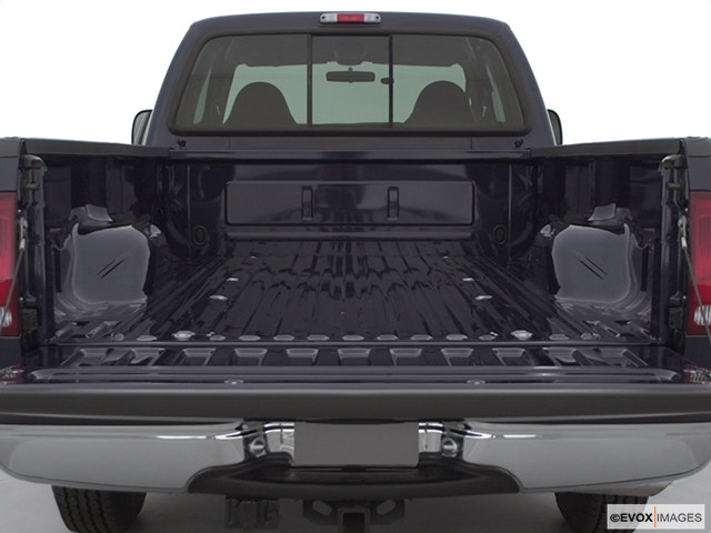2000 Ford F-250 Super Duty Trunk open