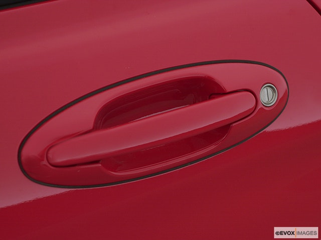 2000 Hyundai Tiburon Drivers Side Door handle