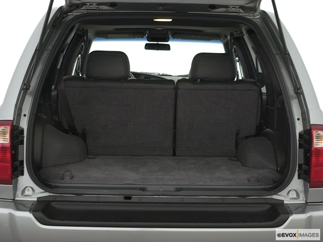 2000 INFINITI QX4 Trunk open