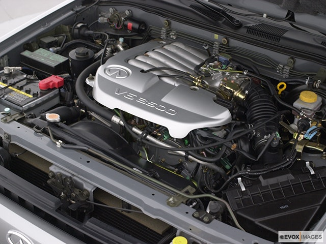 2000 INFINITI QX4 Engine