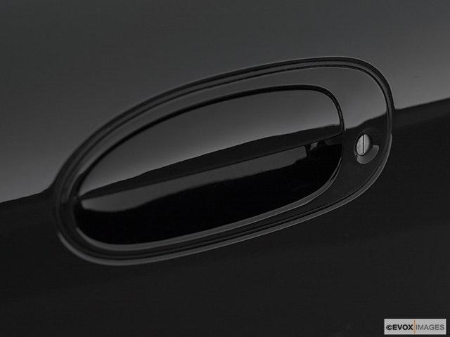 2000 Kia Sephia Drivers Side Door handle