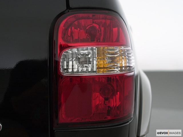2000 Kia Sportage Passenger Side Taillight