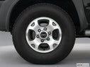 2000 Nissan Xterra Front Drivers side wheel at profile