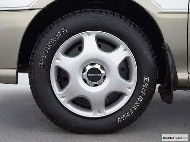 2000 Subaru Impreza Front Drivers side wheel at profile