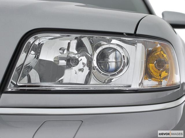 2001 Audi A8 Drivers Side Headlight