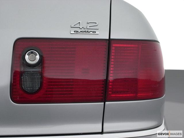 2001 Audi A8 Passenger Side Taillight