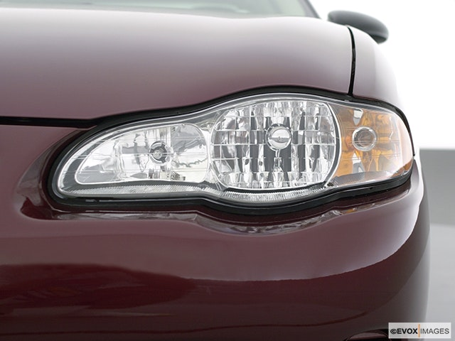 2001 Chevrolet Monte Carlo Drivers Side Headlight