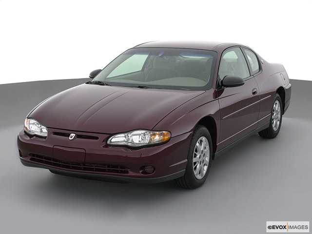 2001 Chevrolet Monte Carlo Front angle view
