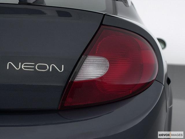 2001 Dodge Neon Passenger Side Taillight