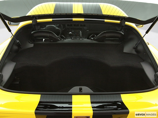 2001 Dodge Viper Trunk open