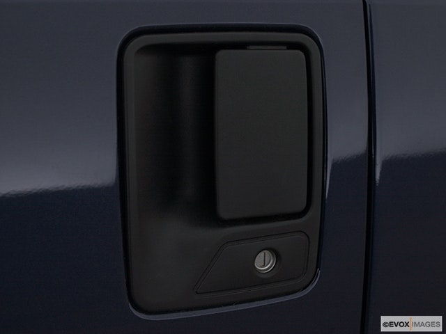 2001 Ford F-250 Super Duty Drivers Side Door handle