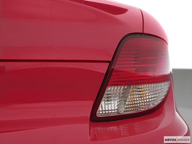 2001 Hyundai Tiburon Passenger Side Taillight