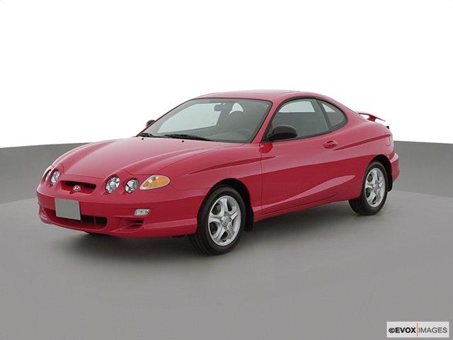 2001 Hyundai Tiburon Front angle view