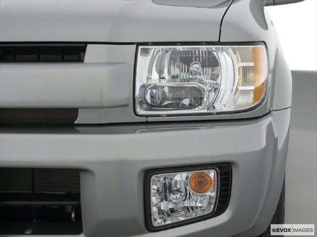 2001 INFINITI QX4 Drivers Side Headlight