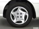 2001 Kia Sephia Front Drivers side wheel at profile