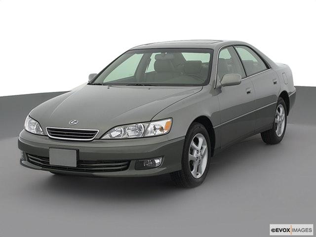 2001 Lexus ES 300 Front angle view