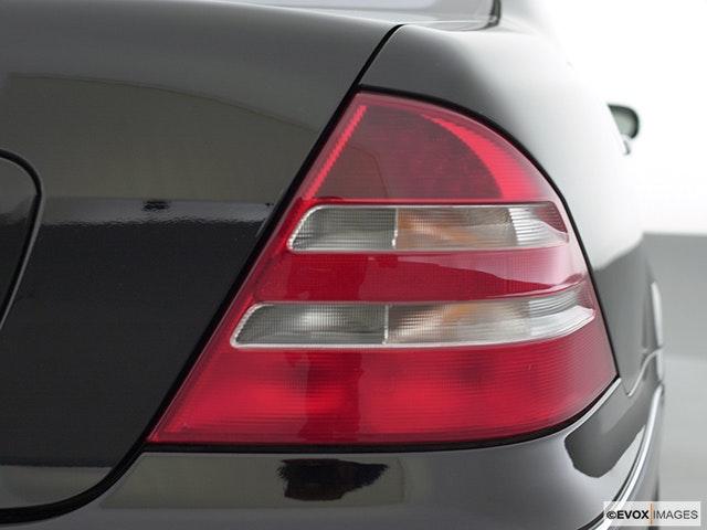 2001 Mercedes-Benz S-Class Passenger Side Taillight