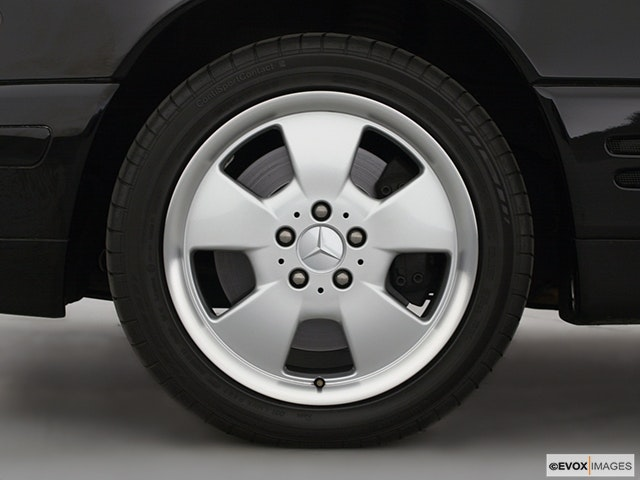 2001 Mercedes-Benz SL-Class Front Drivers side wheel at profile