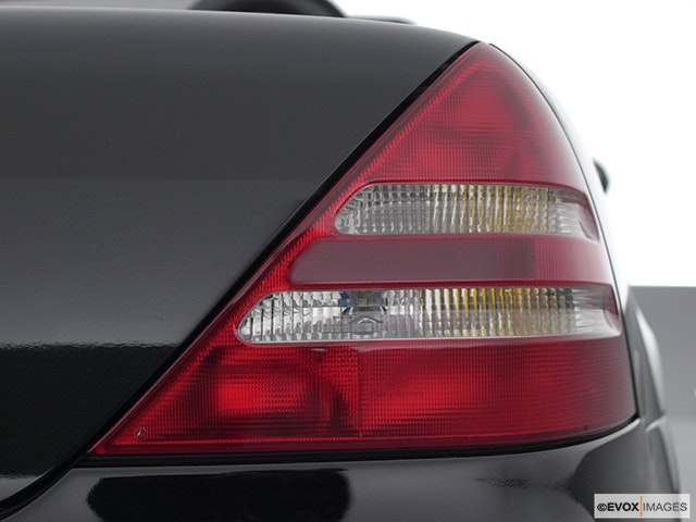 2001 Mercedes-Benz SLK Passenger Side Taillight
