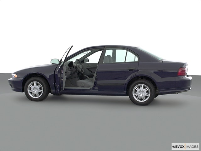 2001 Mitsubishi Galant Driver's side profile with drivers side door open