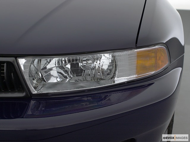 2001 Mitsubishi Galant Drivers Side Headlight