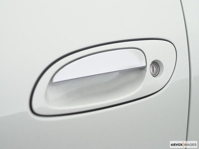 2001 Nissan Maxima Drivers Side Door handle