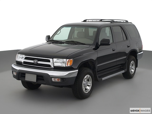 2001 Toyota 4Runner Front angle view