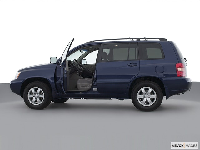 2001 Toyota Highlander Driver's side profile with drivers side door open