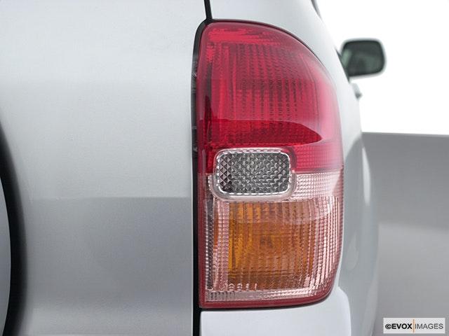 2001 Toyota RAV4 Passenger Side Taillight