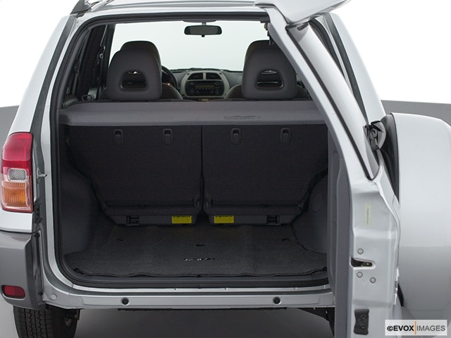 2001 Toyota RAV4 Trunk open