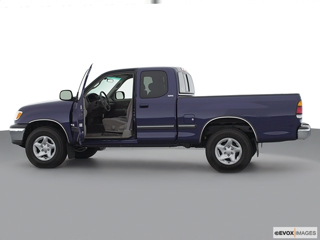 2001 Toyota Tundra Driver's side profile with drivers side door open