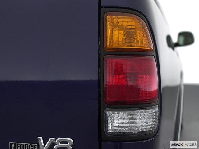 2001 Toyota Tundra Passenger Side Taillight
