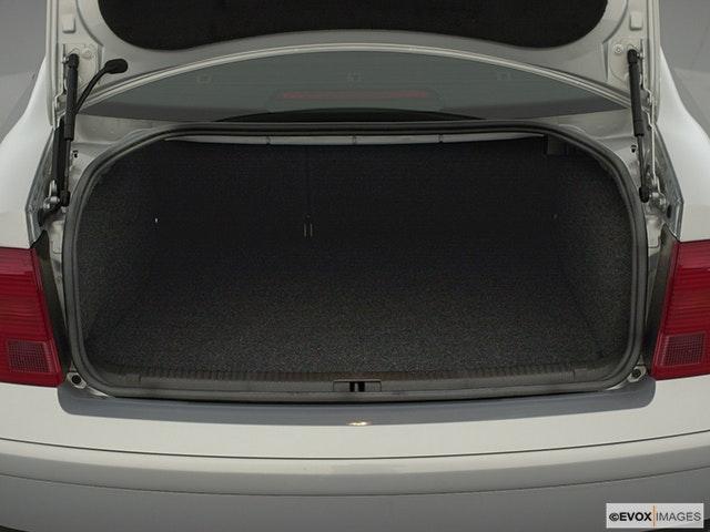 2001 Volkswagen Passat Trunk open