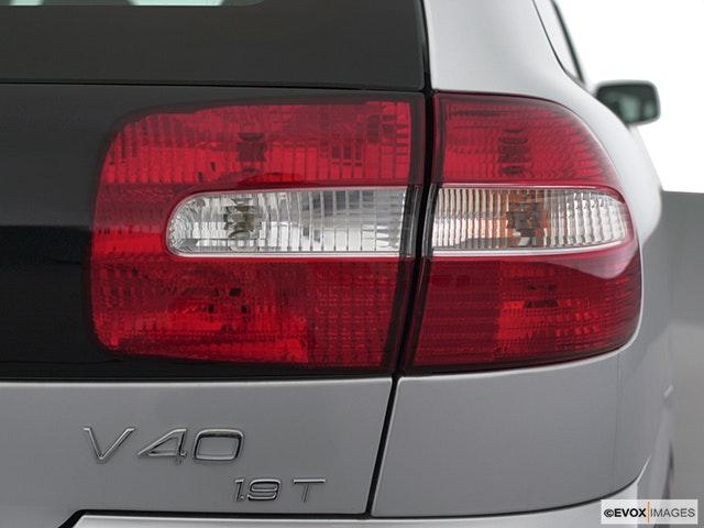 2001 Volvo V40 Passenger Side Taillight