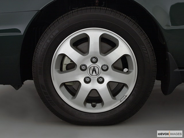 2002 Acura CL Front Drivers side wheel at profile