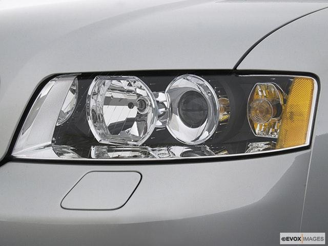2002 Audi A4 Drivers Side Headlight