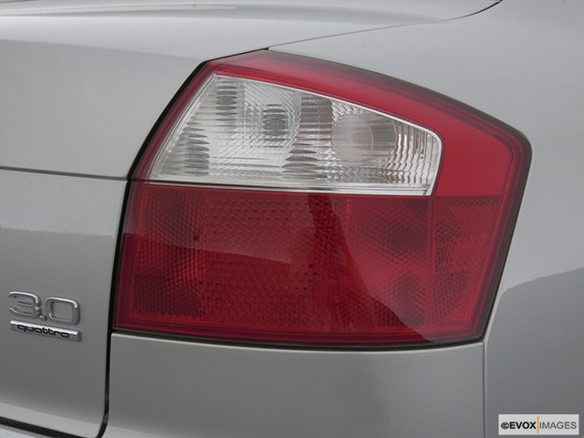 2002 Audi A4 Passenger Side Taillight