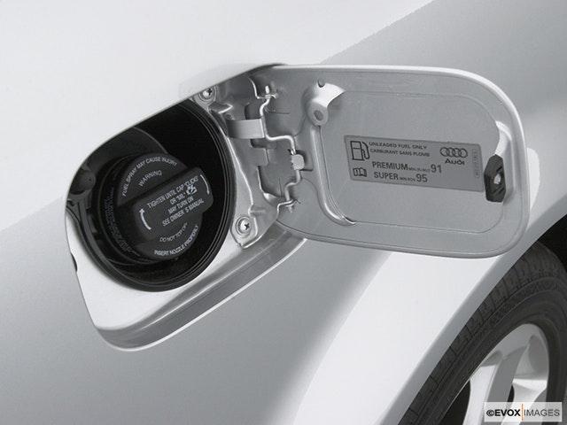 2002 Audi A4 Gas cap open