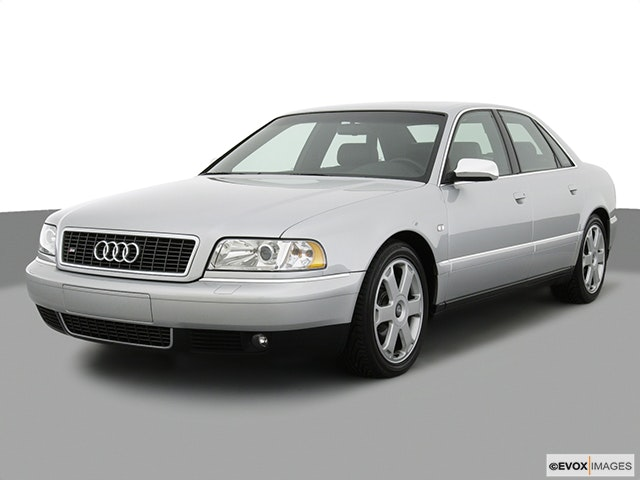 2002 Audi S8 Front angle view