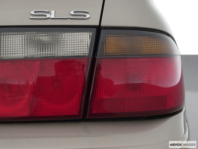 2002 Cadillac Seville Passenger Side Taillight