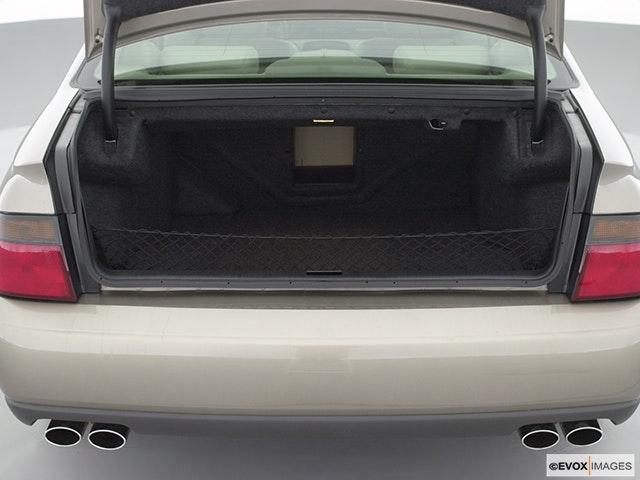 2002 Cadillac Seville Trunk open