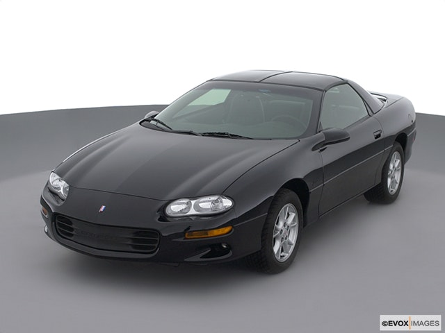 2002 Chevrolet Camaro Front angle view
