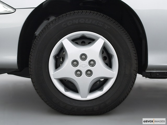 2002 Chevrolet Cavalier Front Drivers side wheel at profile